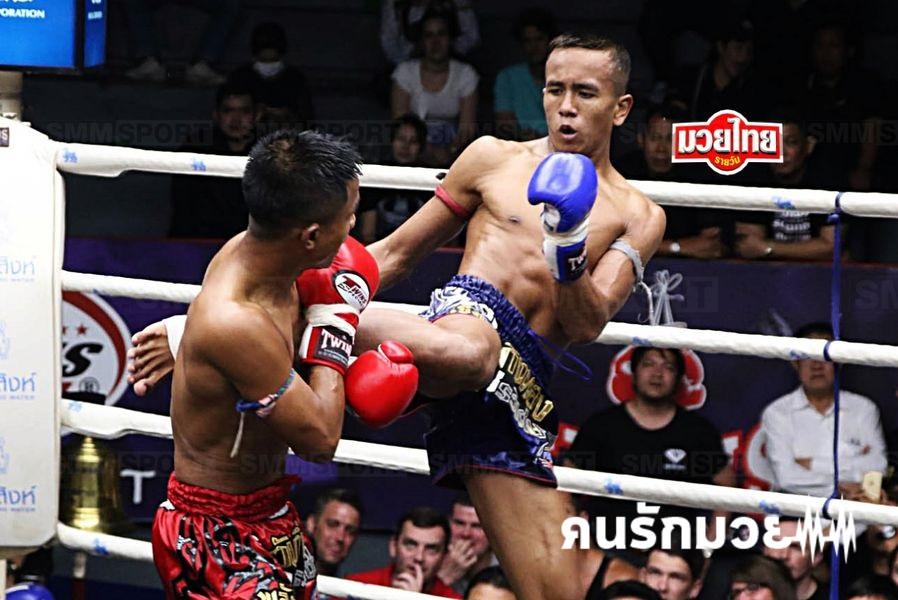 เขี้ยวพยัคฆ์ จิตรเมืองนนท์ คว้ารางวัลนักมวยไทยอาชีพดีเด่น62
